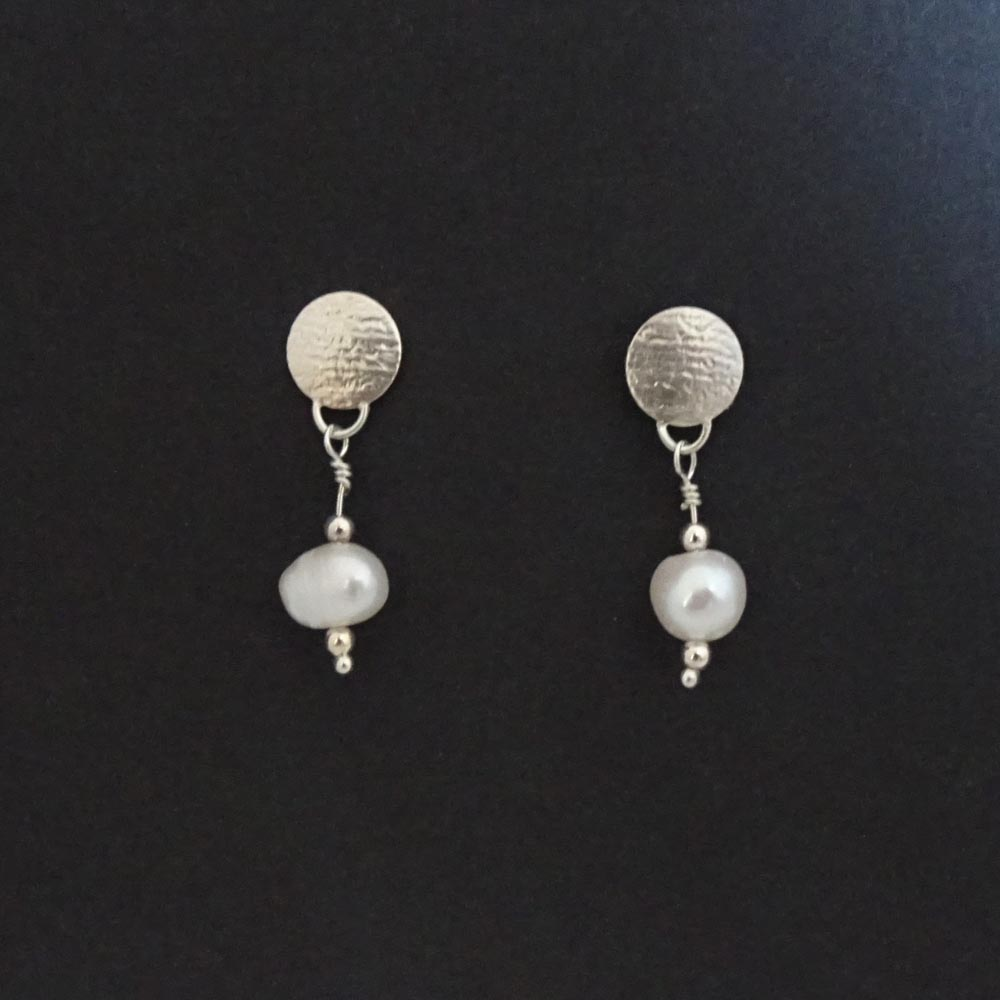 ST1030 Pearl drop stud earrings