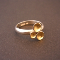 ST223 silver ring with 3 gold domes