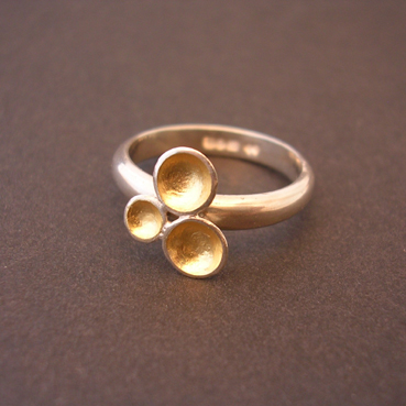 ST223 Gold lined domes silver ring