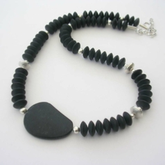 ST617 Black Agate bead necklace.