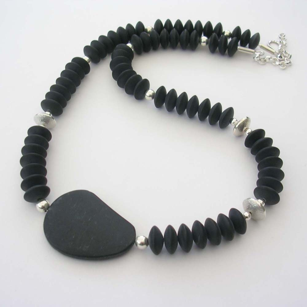ST617 Black Agate kidney bead necklace