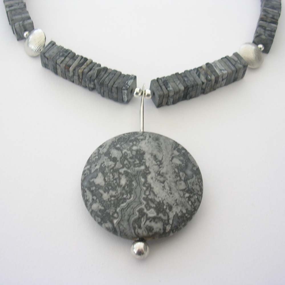 ST620 Silcrazy Agate necklace